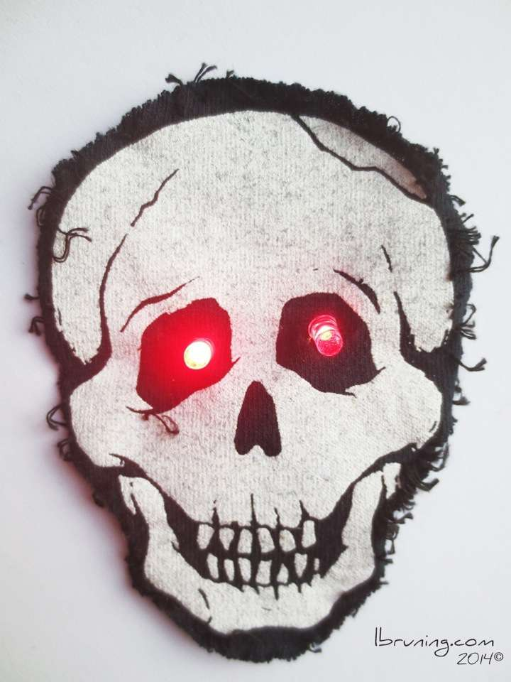 Halloween Skull with GLowing Red LED Eyes